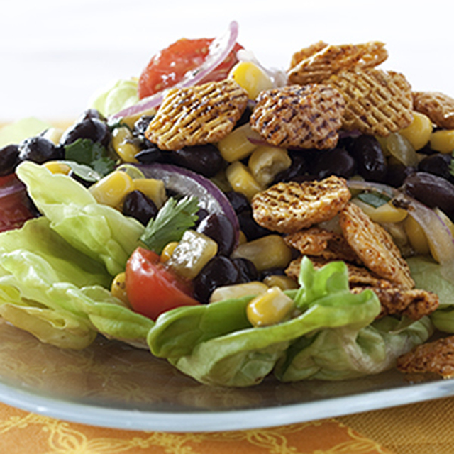 Black Bean Salad with Spicy Crispix® Croutons