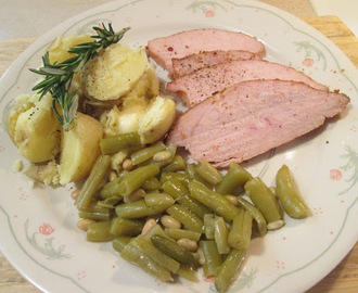 Roasted Sun-Dried Tomato Turkey Breast w/ Boiled Rosemary New Potatoes and Green Beans