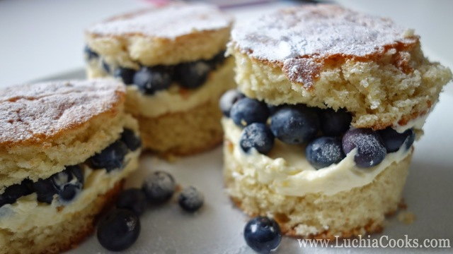 Vanilla, Lemon Curd & Blueberry Mini Cream Cakes