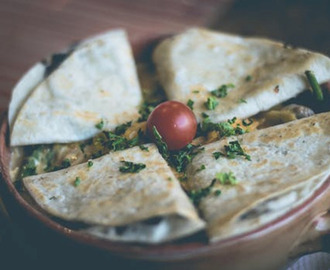 Quesadillas aux haricots frits