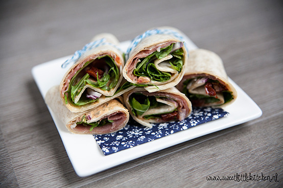 Lunch wrap met heksenkaas en rauwe ham