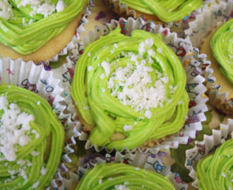 Coconut and Lime cupcakes by Cake Porn