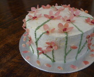 Natural Cake Decorating