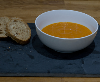 Winter Warmer Roast Pepper and Tomato Soup