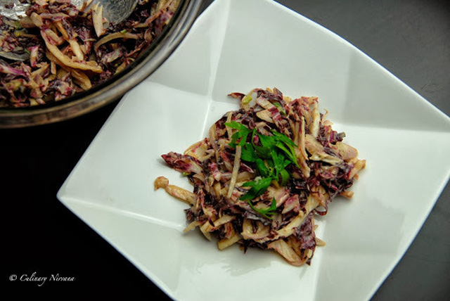Pink cabbage and shallot salad