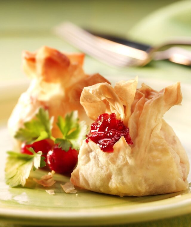Party Food Recipe : Cranberry Cheese Parcels