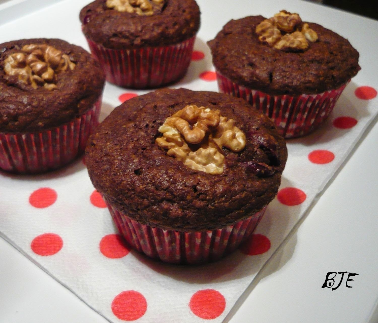 Duplacsokis meggyes muffin