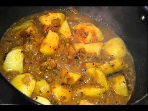 Potato curry in Almond & Poppy seed Gravy