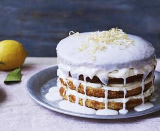 Lemon cake with lemon cheesecake icing