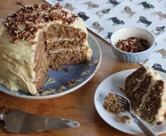 My Showstopping Gluten Free Hummingbird Cake Recipe (dairy free and low FODMAP)