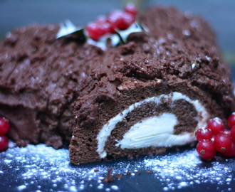 Healthy chocolate roulade…the best Yule Log ever (sorry Mary Berry)