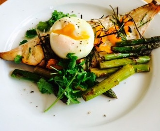Slimming World: Haddock, Perfect Poached Egg and Asparagus Breakfast Recipe - 0 Syns