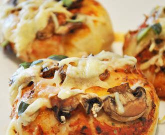 Bubble Up Pizza Buns with Mushrooms