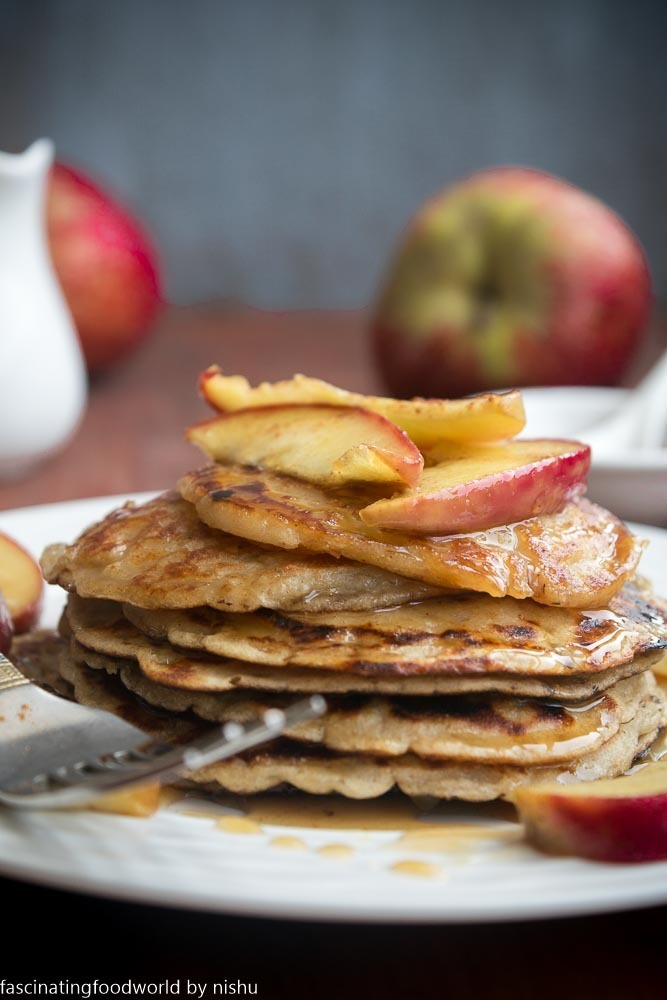 Egg-less Whole wheat apple pie pancakes