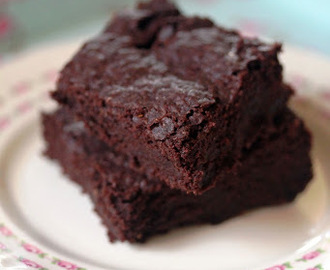 Chewy Chocolate Vegan Brownies