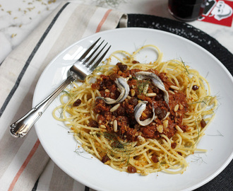 Saturday Spaghetti with Sardines & Fennel {Simple Summer Suppers #2}
