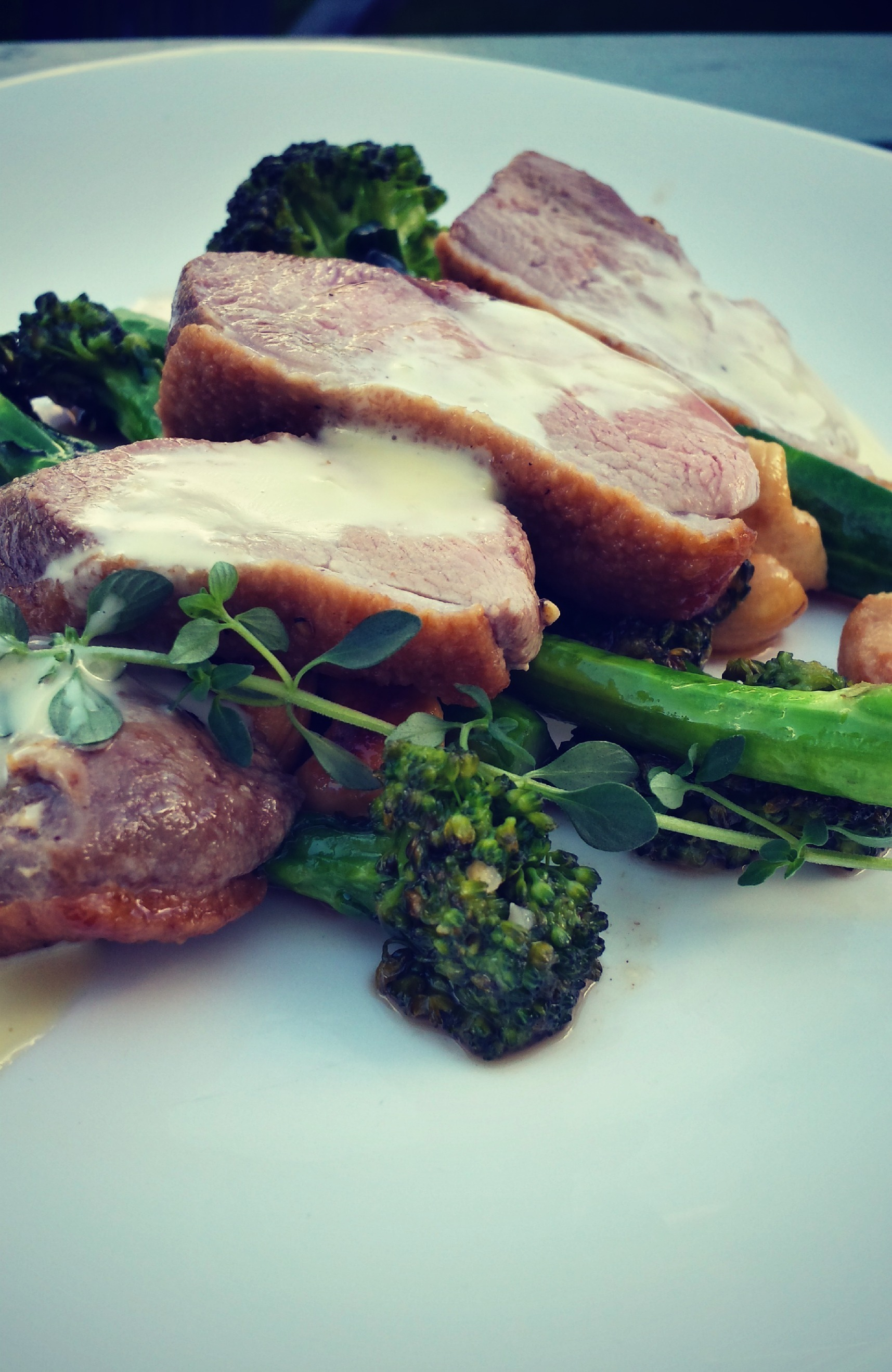 Duck breast with brie cheese sauce and broccoli with cashew nuts!