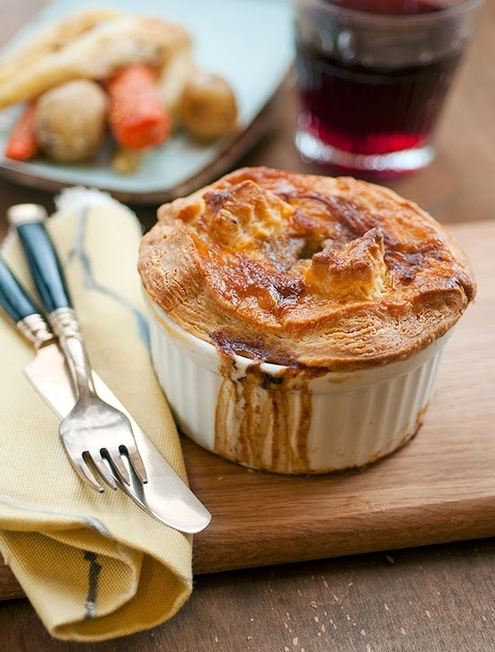 Steak and mushroom pot pies