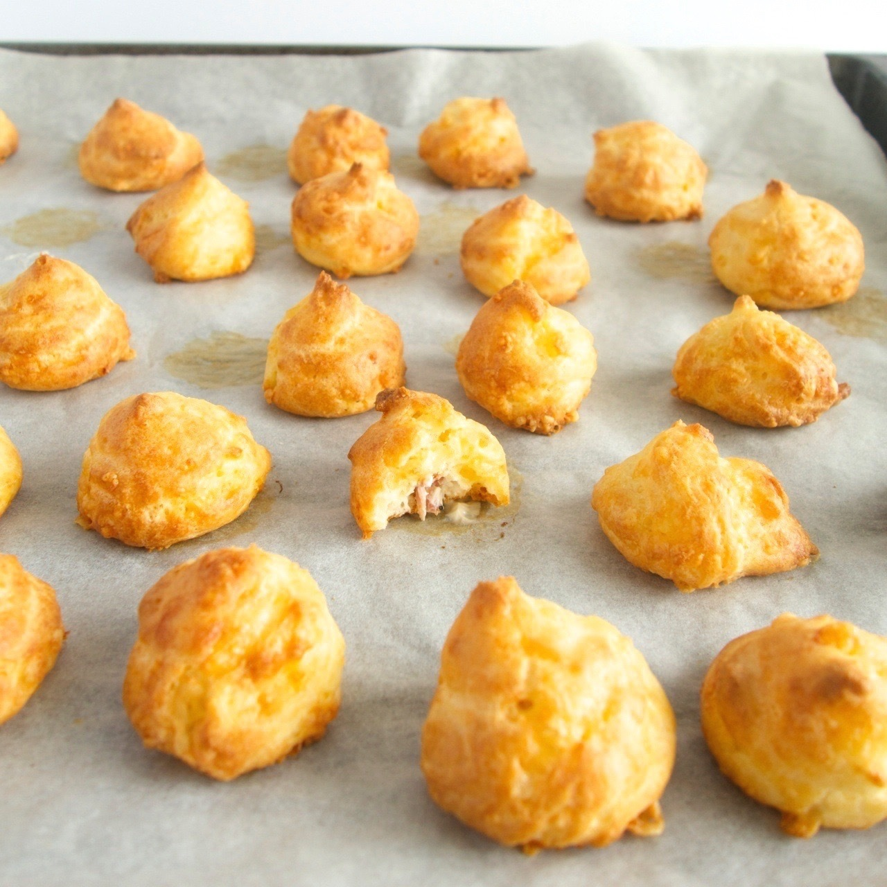Bacon cheese puffs