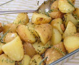 Potatoes with thyme and rosemary