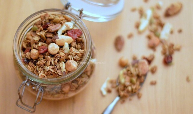 Homemade Granola (winter edition)