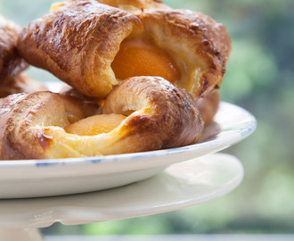 Super fast apricot custard Danish pastries