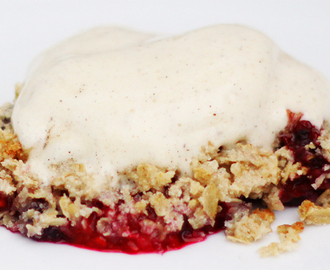 Healthy Raspberry Blueberry Crumble Pie