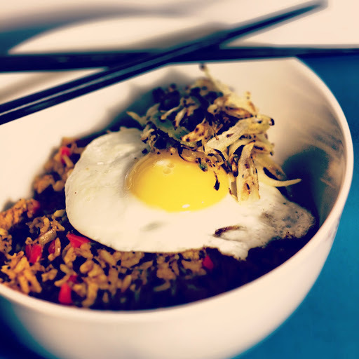 put an egg on it: Indonesian fried rice