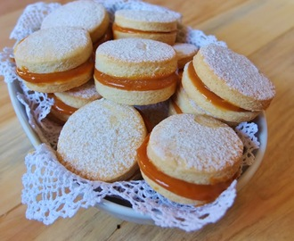 Biscoitos casadinhos | Brazilian Wedding Biscuits