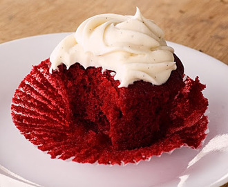 Hätähousujen low carb Red Velvet Cupcakes
