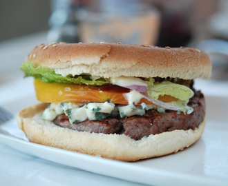 Cheeseburger mal anders – Blue-Cheese und Goat-Cheese Burger