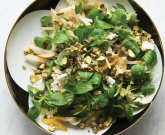 Asian Pear Salad with Gorgonzola and Toasted Pistachios