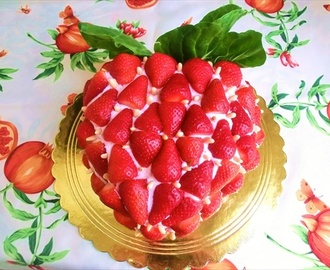 Torta alle fragole e cioccolato bianco / Cake with strawberries and white chocolate