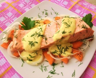 Salmone con vino bianco e salsa di ricotta / Salmon with white wine and ricotta cheese