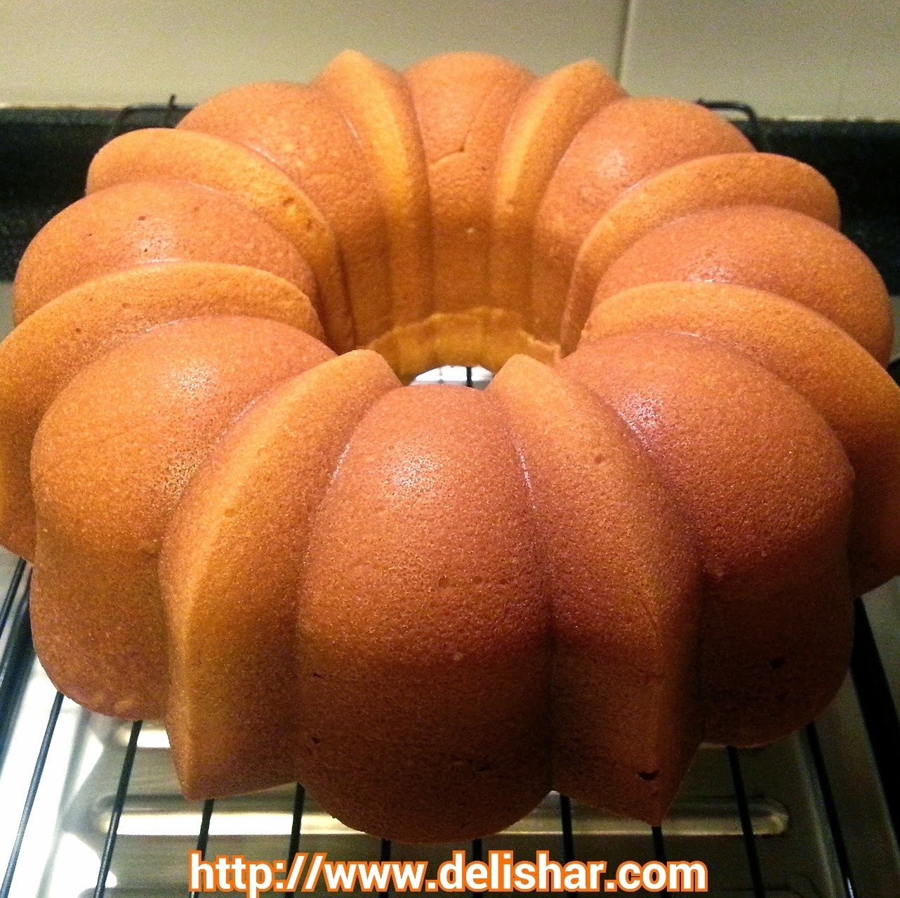 Lemon Cream Cheese Pound Bundt Cake
