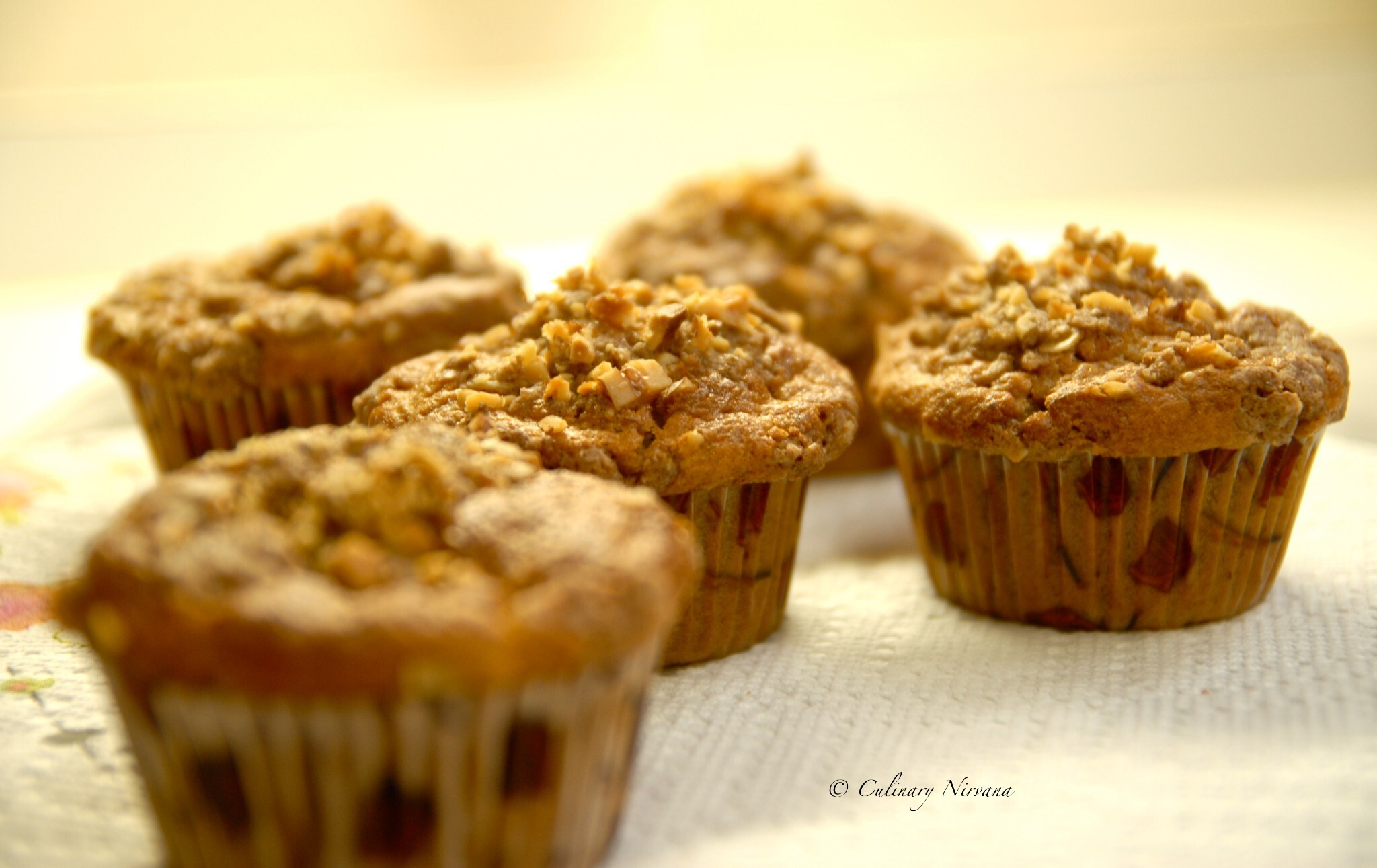 Warm spiced banana muffins with Streusel topping!