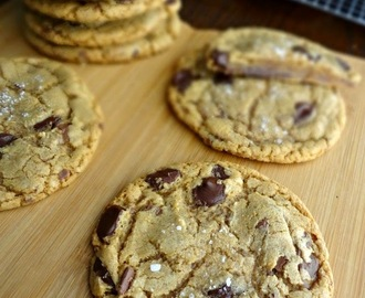 Brown Sugar Toffee Dark Chocolate Chip Cookies