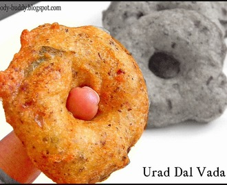 Ulundu Vadai / Medu Vada - South Indian Recipe with video