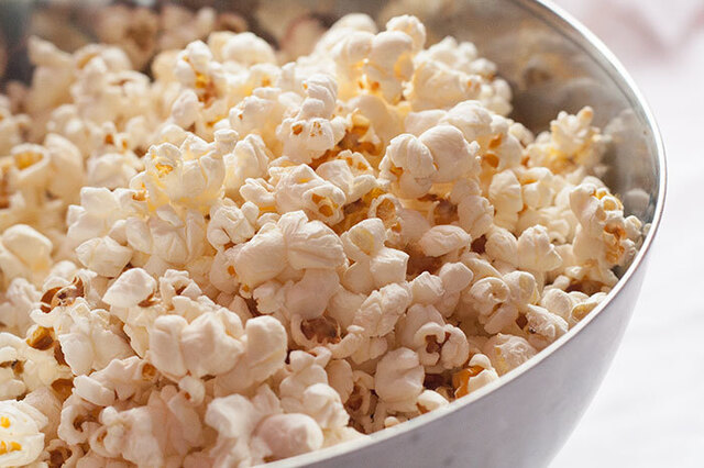 Stove Top Popcorn (No Microwave or Popcorn Maker Necessary!)