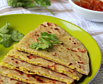 Dal Parathas/ Flat Breads With Lentil Filling
