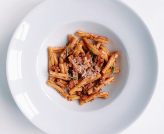 Divine pasta sauce with tomato, fennel and rosemary