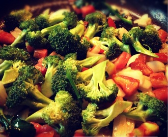 Cooking Tomatoes and Broccoli Stir-fried