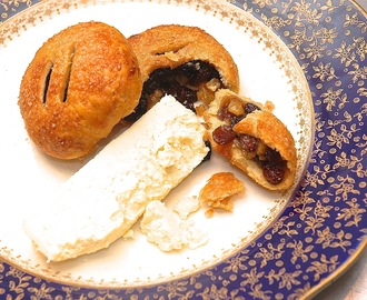 Eccles Cakes with Mrs Kirkham's Lancashire Cheese
