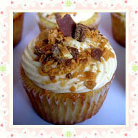 Peanut Butter and Banana Cupcakes by Your Cup of Cake