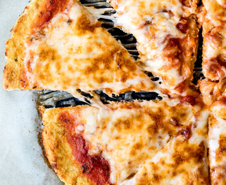 How to Make the Best Cauliflower Pizza Crust + video