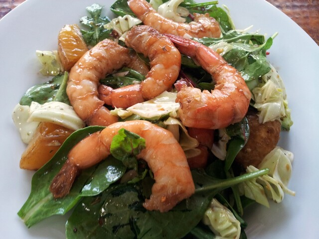 mixed greens salad with shrimp & oranges