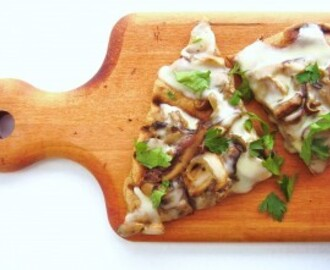 grilled mushroom and taleggio pizza