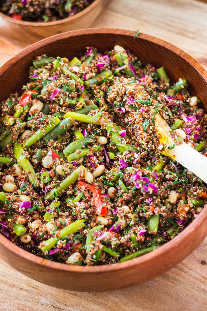 Easy Quinoa Vegetarian Salad