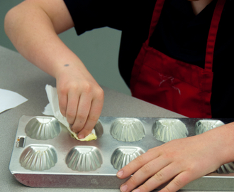 It's a French Food Revolution Friday: Les Petits Chefs bake madeleines