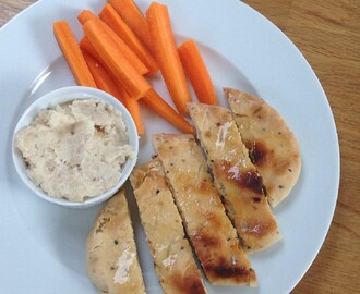 Meal Plan 4 – a scrummy lunch of Butter Bean Pate, carrot sticks & pitta, 18p